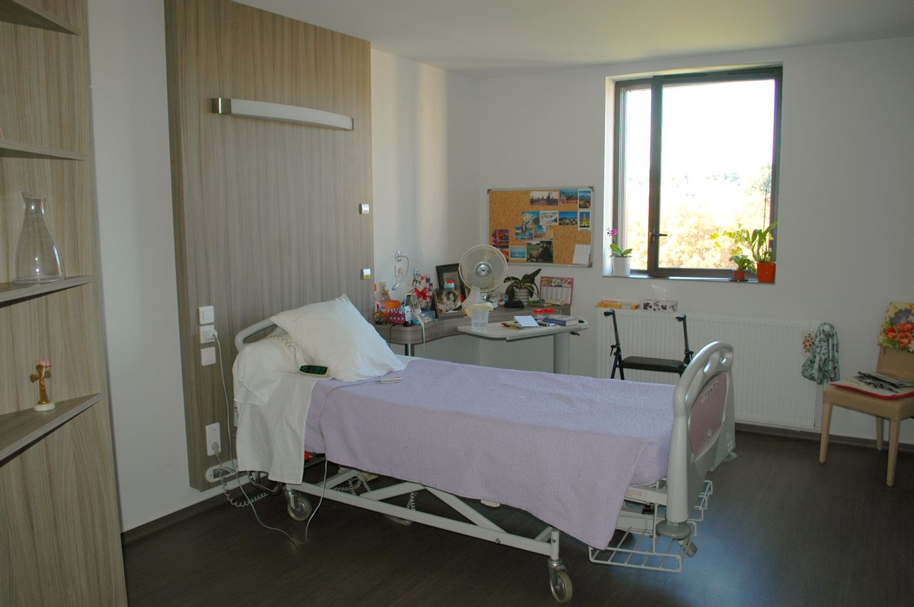 EHPAD_MADELEINE_BRES_CHAMBRE2